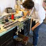 Le Tricodeur détourne la machine à tricoter pour «une exploration et une accessibilité au design maille». © Louis Eveillard