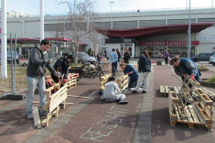 En travaux le centre commercial de bron s ouvre l open lab makery - Centre commercial bron ...
