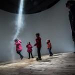 «Ascension», la pièce poétique d'Anish Kapoor, dans le cadre de «Prosopopées» au 104. © Quentin Chevrier-Art2M pour Arcadi Île-de-France